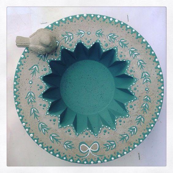 Beton Schale Grau Blau Blumenmuster