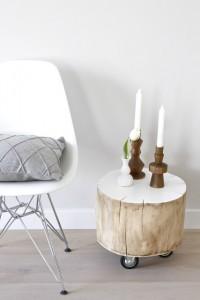 natürliches Holz Beistelltisch auf Rollen Holzkerzenhalter