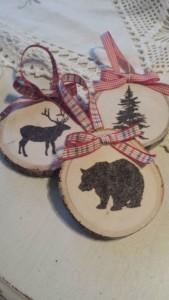 Weihnachtsbaumanhänger Holzscheibe Bär Landhausstil rustikal