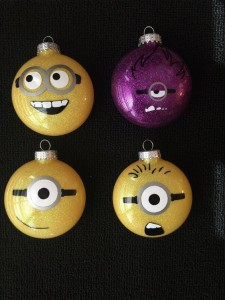 Christbaumkugel Minions gelb
